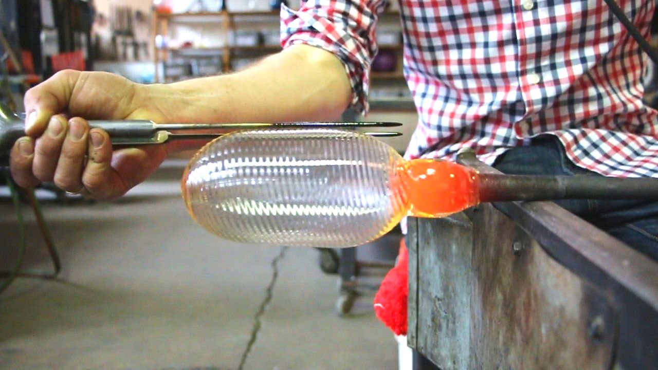How to blow glass - Pulled and Twisty cups